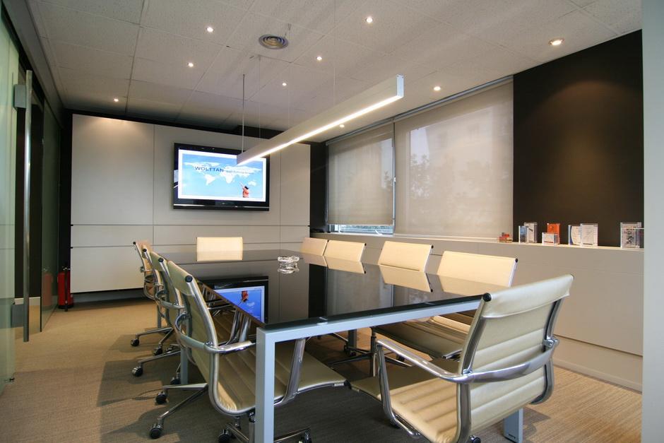 Instalaciones iact soluciones para empresas for Iluminacion led oficinas